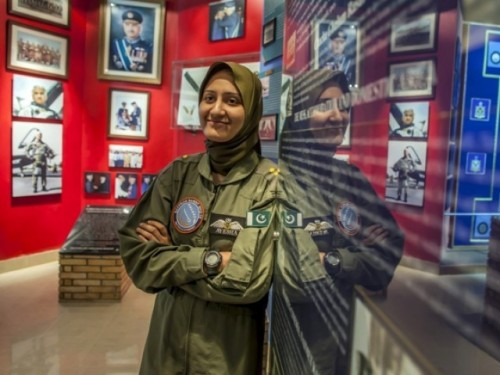 Pakistan fighter pilot wins battle of sexes, now she's ready for war