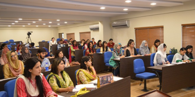 "LAHORE WORKSHOP (DAY 2): ""INVESTIGATIVE JOURNALISM CENSUS RESULTS & ITS IMPACTS ON ELECTION 2018″ 23-26 OCTOBER 2017"