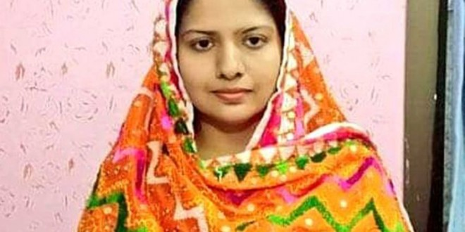 Pushpa has become the first Pakistani Hindu girl to serve as police officer in Sindh